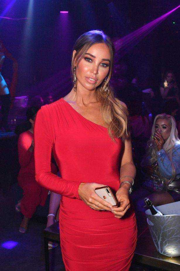We're obsessed with Lauren Pope's red bodycon dress - it's just £ 1